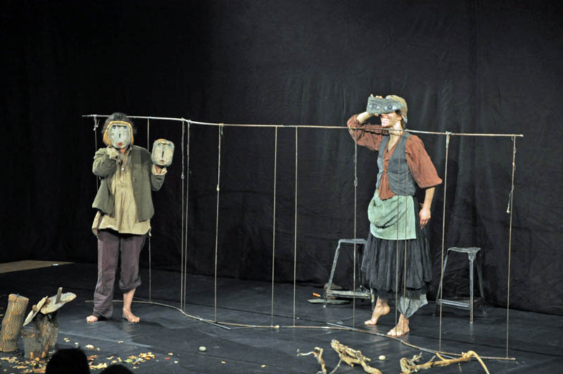 """Eine etwas andere Darstellung von """"Hänsel und Gretel"""" brachte das Theater Kranewit auf die Bühne."""