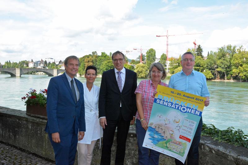 Oberbürgermeister Klaus Eberhardt, Béa Bieber, André Marker, Brigitte Brügger und Claudius Beck (v. l.) freuen sich auf die elften Brückensensationen.