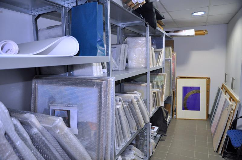 Nach ihrer Erfassung werden die Ausstellungsstücke des Stadtmuseums erst einmal eingelagert.