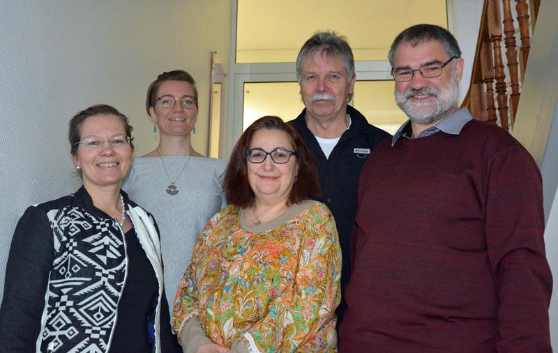 Bürgermeisterin Diana Stöcker (vorne links) mit dem Team der Stabsstelle Integration: Visitación Aceituno Castellanos (vorne Mitte), Armin Zimmermann (vorne rechts), Jacqueline Zeng (hinten links) und Wolfgang Stöcklein (hinten rechts).