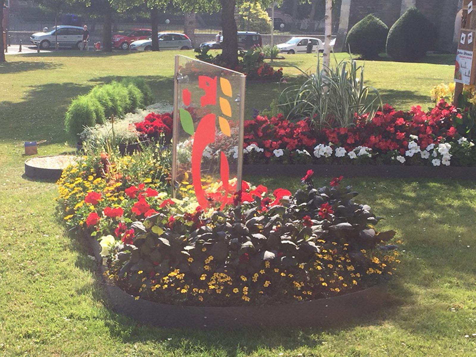 Der Garten der Freundschaft in Fécamp ist in Form einer Blüte gestaltet - für jede Partnerstadt ein Blatt.