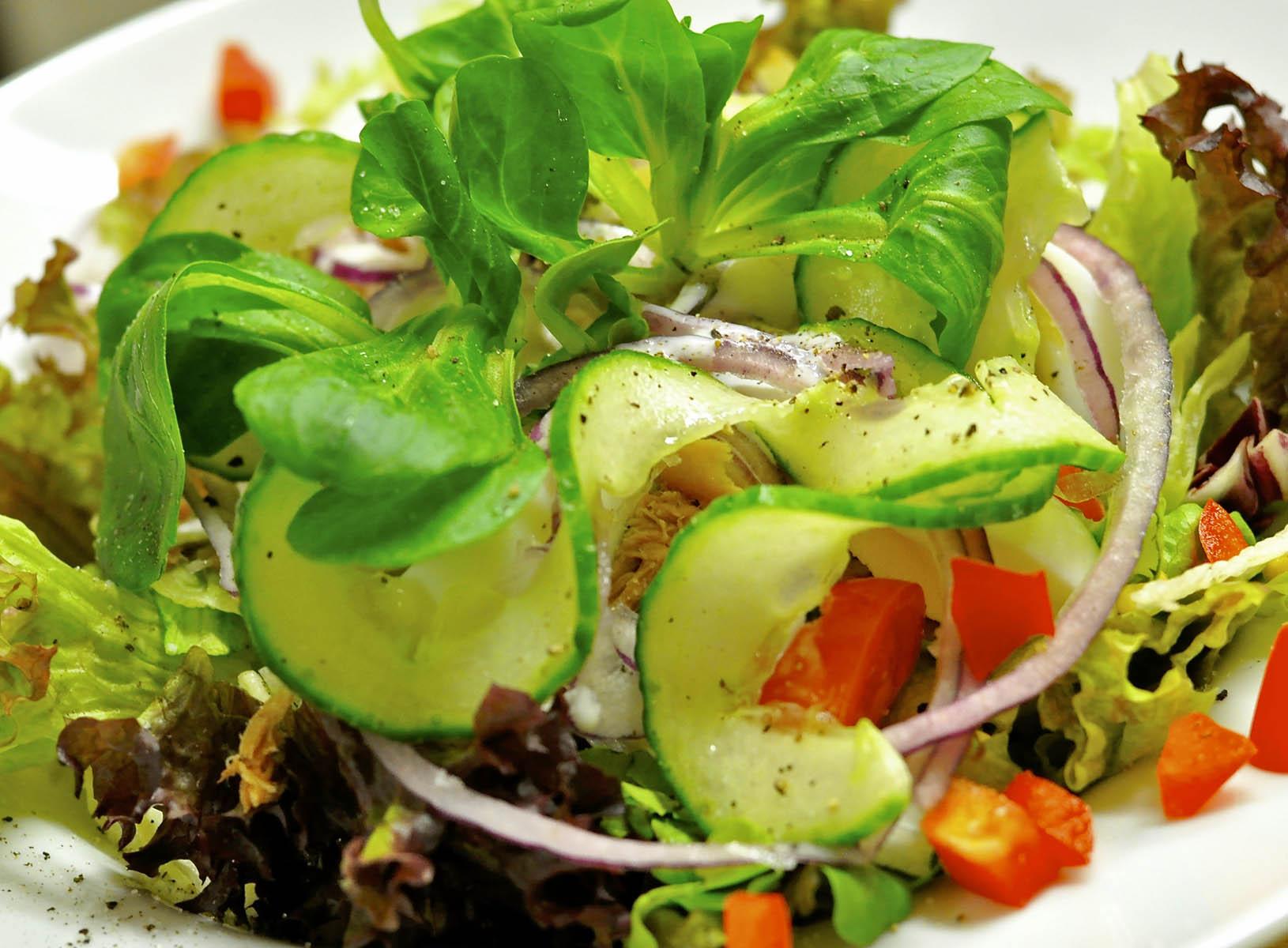 Ein Salatteller; Foto: Andy333 on Pixabay