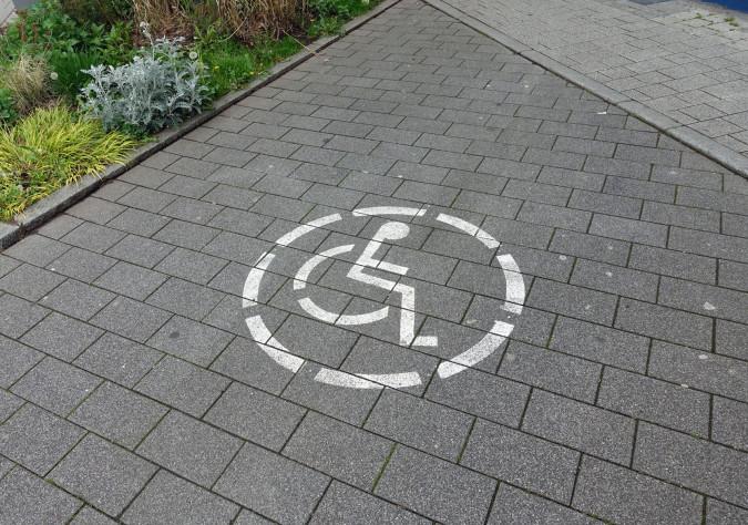 Barrierefreier Parkplatz