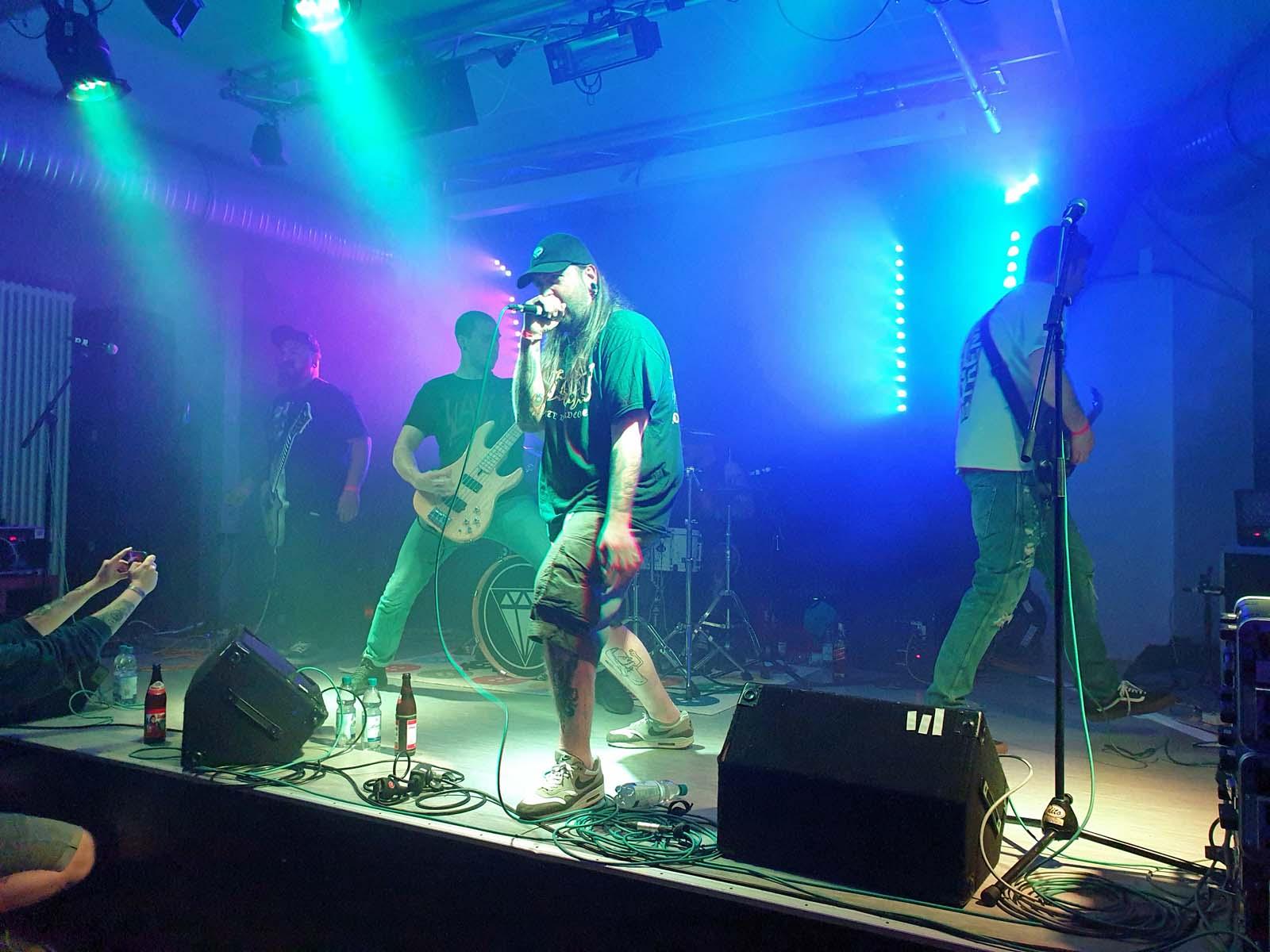 """The Last Breath of Life"" rockten am Samstag das Jugendhaus."