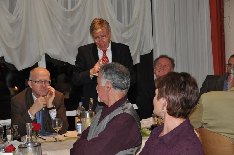 Oberbürgermeister Eberhard Niethammer fand Worte des Lobes und des Dankes für die Jubilare und Pensionäre.