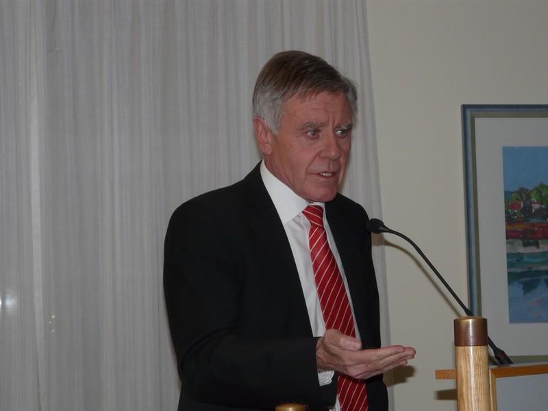 Oberbürgermeister Eberhard Niethammer betont die Wichtigkeit des bürgerlichen Engagements.