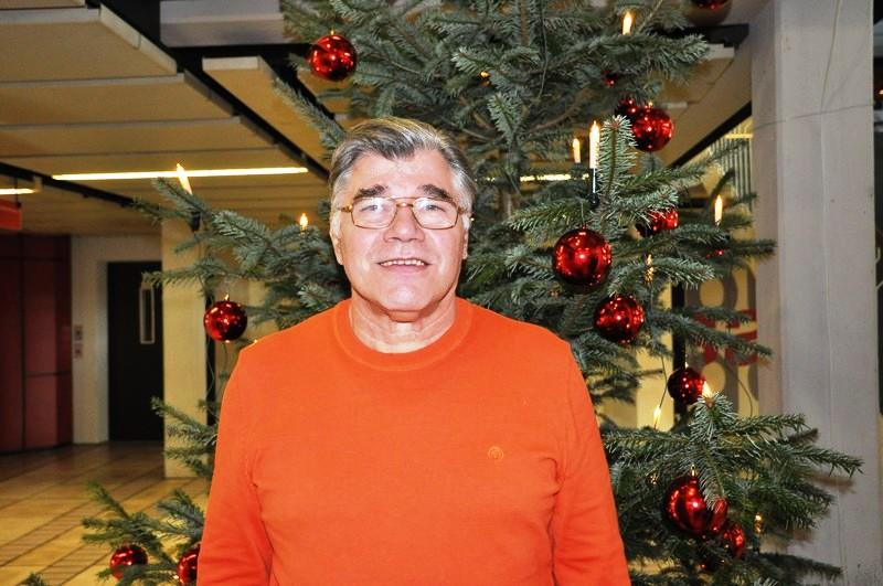 Harald Höhn, Leiter des Tafelladens, freut sich angesichts der großen Spendenbereitschaft.