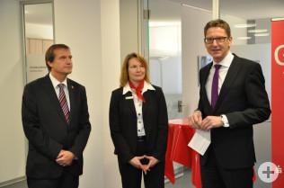 Oberbürgermeister Klaus Eberhardt, Geschäftsstellenleiterin Gerda Geiß-Albiez und Vorstand Rainer Liebenow