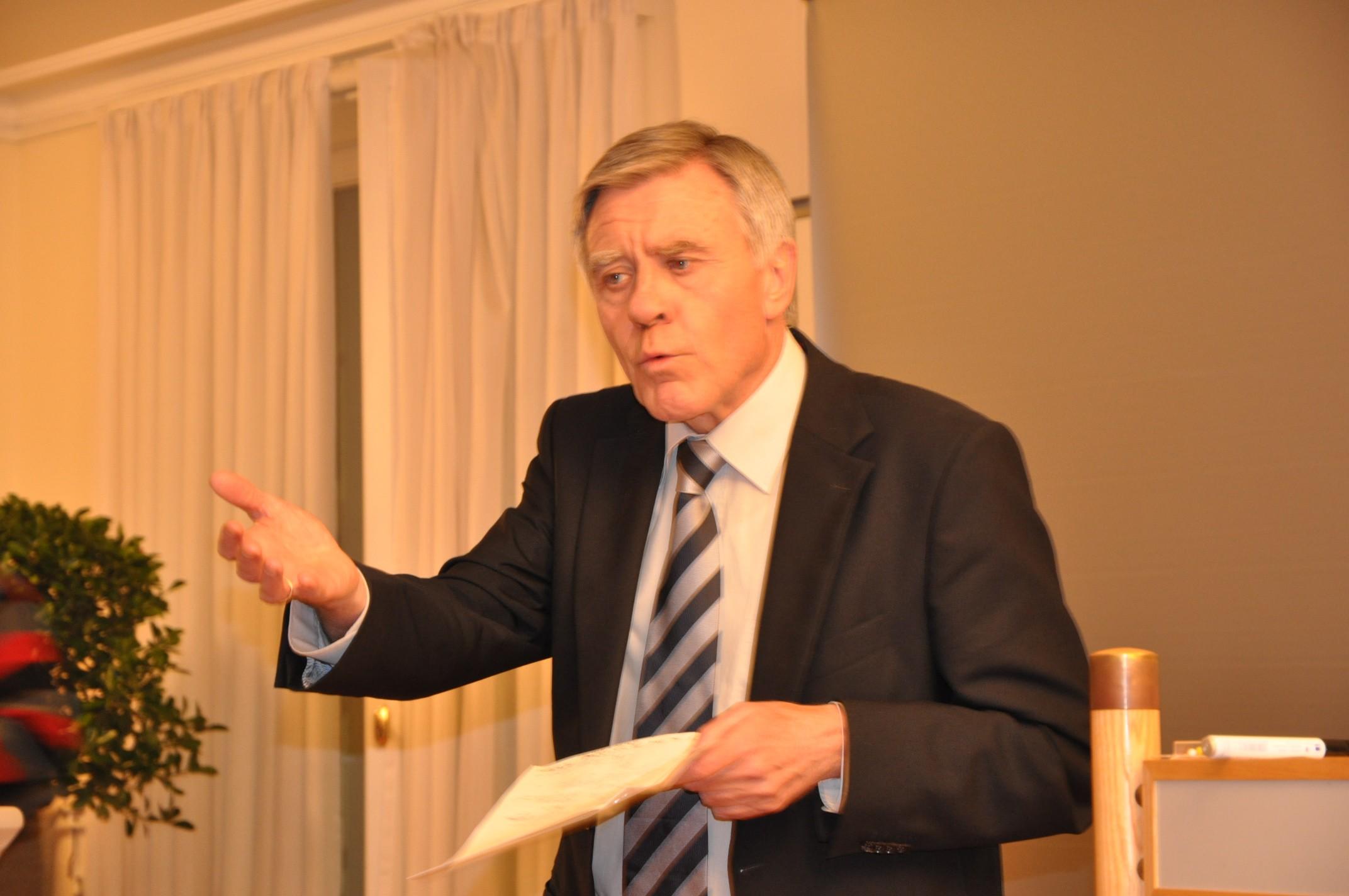 Oberbürgermeister Eberhard Niethammer bei der Auftaktveranstaltung zur Entente Florale im Januar 2011.