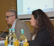 Stefan Heinz und Slavica Stanojevic geben dem Sozialausschuss einen Überblick über das Jahr 2018.