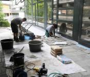 Arbeiten außen vor dem Bürgersaal