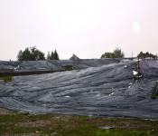 Auffällig sind die schwarzen Folien am Adelberg.