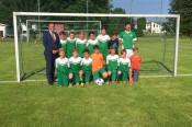 Als Anerkennung für eine tolle Saison ging der EM Ball an die U 12-Fußballer des SV Nollingen.