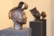 """Die Künstlerin Cerstin Thiemann lädt im Rahmen ihrer aktuellen Ausstellung """"Von Angesicht zu Angesicht"""" im Haus Salmegg am Sonntag, 16. Oktober, von 12 bis 16 Uhr zu einem Workshop ein."""