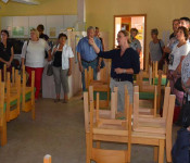 Interessiert verfolgten Ortschaftsrat und Sozialausschuss die Ausführungen der Architektin Jeannette Knöpfel zu den Arbeiten im Bienenkorb.