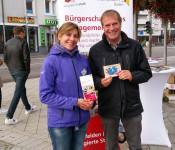 Stefanie Franosz, Leiterin des Bürgertreffpunktes Gambrinus, und OB Eberhardt warben für das Ehrenamt.