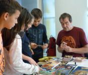 Die Stadtbibliothek ermöglichte auch dieses Mal wieder lebendige Begegnungen zwischen Schülern und Autoren.