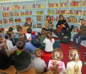 Mit deutschen und ungarischen Weihnachtsliedern klang der diesjährige Vorlese-Adventskalender aus.