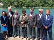 Ministerpräsident Winfried Kretschmann besuchte auch die beiden Rheinfelden bei seiner Tour durch den Kanton Aargau.