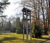 Blick auf den Glockenturm auf dem Hauptfriedhof.