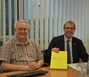 Stadtkämmerer Udo Düssel und Oberbürgermeister Klaus Eberhardt stellen den Haushaltsplanentwurf für 2019 vor.