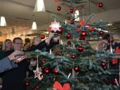 Noch bis 13. Dezember können die Wünsche der Kinder und Senioren erfüllt werden.
