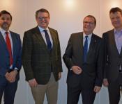 Auf dem Weg zur Gründung einer gemeinsamen Energieversorgung GmbH & Co.KG: Martin Ritter, Geschäftsführer der Stadtwerke Bad Säckingen GmbH, Bürgermeister Dr. Tobias Benz (Grenzach-Wyhlen), Oberbürgermeister Klaus Eberhardt (Rheinfelden) und Markus Nägele