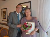 Die Ehrenvorsitzende der Dinkelberger Landfrauen, Heidi Kuny, erhielt von Oberbürgermeister Klaus Eberhardt die Landesehrennadel verliehen.