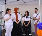 Internationales Hoffest am Tag des Nachbarn im Hof des Bürgertreffpunktes Gambrinus.
