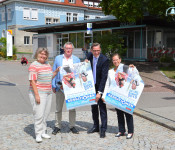 Brigitte Brügger, Claudius Beck, Rainer Liebenow und Bürgermeisterin Diana Stöcker (v. l.) freuen sich auf die diesjährigen Brückensensationen.