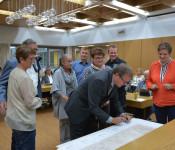 Oberbürgermeister Klaus Eberhardt überreichte den vom Gemeinderat gewählten Ortsvorstehern ihre Urkunden.