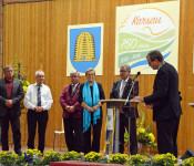 Oberbürgermeister Klaus Eberhardt ehrte vier Karsauer mit der Ehrennadel des Landes Baden-Württemberg.