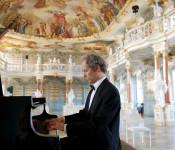 Pianist Thomas Weber am Klavier