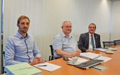 Philipp Reiher, Abteilungsleiter der Haushaltsabteilung, Stadtkämmerer Udo Düssel und Oberbürgermeister Klaus Eberhardt (von links) stellten den Haushaltsplanentwurf 2020 in einem Pressegespräch vor.