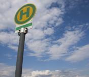 Schild einer Bushaltestelle