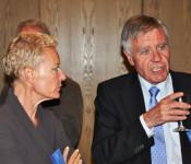 Bea Bieber, Stadträtin von Rheinfelden (CH), und Oberbürgermeister Eberhard Niethammer