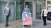 Oberbürgermeister Klaus Eberhardt und Bürgermeisterin Diana Stöcker freuen sich mit Dario Rago einen geeigneten Kandidaten für die Leitung des Kulturamtes gefunden zu haben.