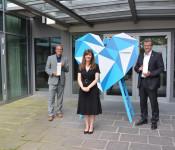 Oberbürgermeister Klaus Eberhardt und Stadtammann Franco Mazzi nahmen die Auszeichnung von Monica Linder-Guarnaccia entgegen.