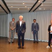 Gruppenfoto (von links): Stefanie Franosz, Oberbürgermeister Klaus Eberhardt, Professor Klaus Leisinger, Dario Rago und Bürgermeisterin Diana Stöcker.