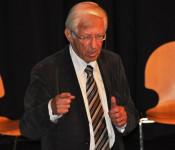 Franz Alt plädiert für die Energiewende.