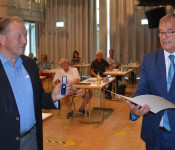 Ehrung für Paul Renz für 50-jährige Mitgliedschaft im Gemeinderat.