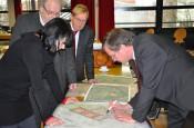 Stadtplanerin Bettina Nocke, Stadtbauamtsleiter Hans Krusch, Rechtsanwalt Armin Wirsing und Oberbürgermeister Klaus Eberhardt