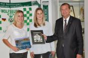 Alisa, Vetterlein, Laura Vetterlein und Oberbürgermeister Klaus Eberhardt