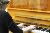 Schüler der Musikschule begleiteten die Lesung mit Stücken von Mozart.