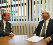 Oberbürgermeister Klaus Eberhardt und MdL Hidir Gürakar