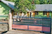 Kindergarten in Nggongi (Sumba), 2005 von Familie Altenstetter erbaut.