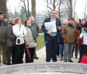 Danilo Vidoni erläutert die Sanierung des Inseli-Parks.