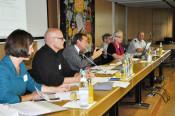 Ursula Philipps, Urs Affolter, Oberbürgermeister Klaus Eberhardt, Isolde Britz, Peter Fierz und Tobias Obert