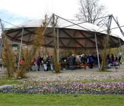 Pflanzenflohmarkt unter dem Vacono-Dome
