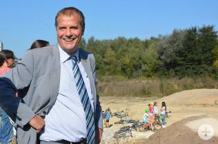 Oberbürgermeister Eberhardt bei der Eröffnung des Pumptrack